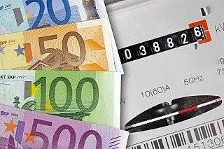 Platts: Přetrvávající vlna veder by mohla zvednout cenu elektřiny až o 5 EUR/MWh