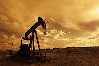 Ceny ropy po zprávě o zásobách v USA prudce rostou